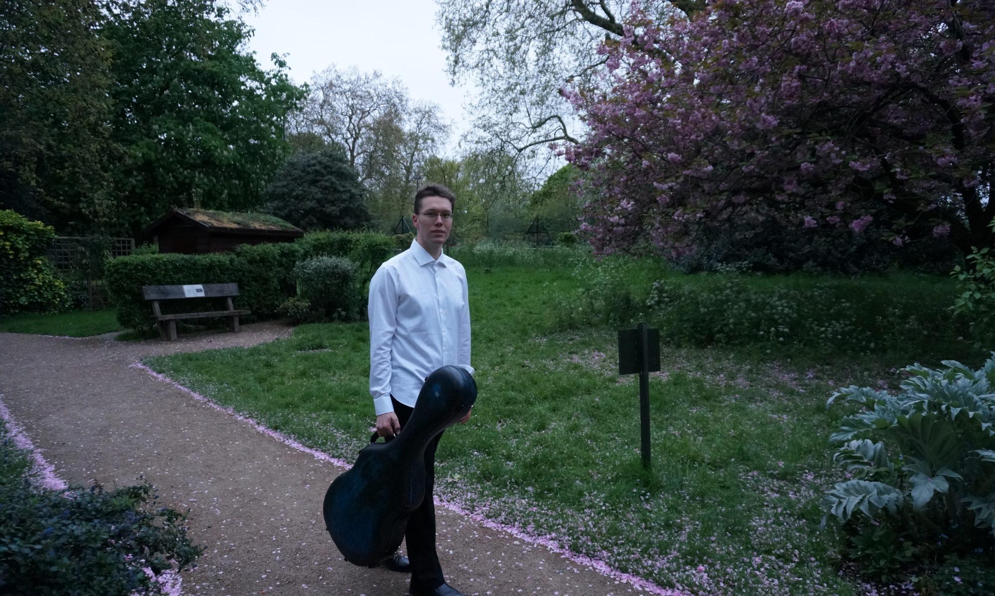 MARIO KURTJAK - classical guitarist